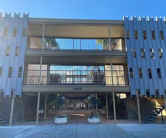 Entrance, Park Plaza