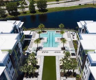 Residences at the Green, 34202, FL