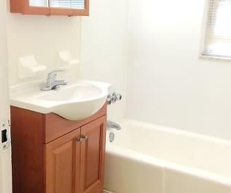 Bathroom, 34 Careteret Street