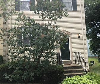 7924 Peyton Forest Trail, Annandale, VA