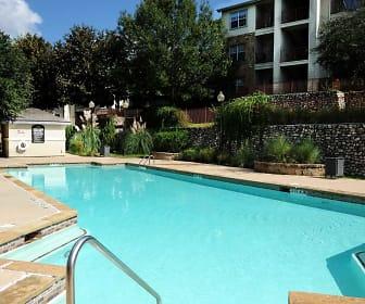 Pool, Towne Vista