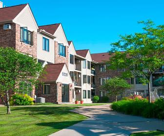 Oaks Lincoln Apartments, Alice Smith Elementary School, Hopkins, MN