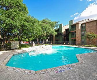 Pool, Remington House