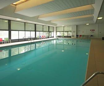 Pool, Viewpointe Apartments