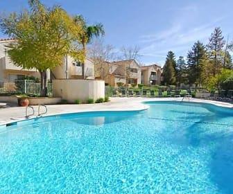 Pool, Diamond Park