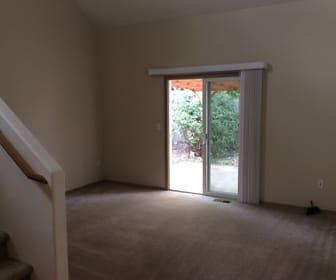 Living Room, 2412 Mount Vernon Street Se