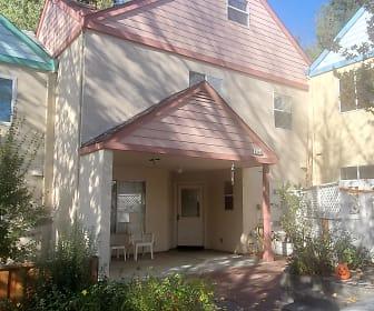 8144 Bodega Ave, Sebastopol, CA