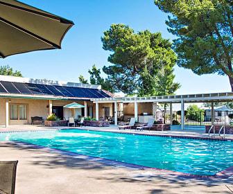 Pool, Victor Villa
