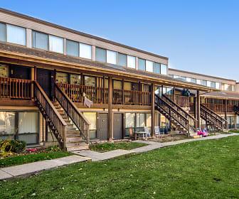 Walden Oaks, Downtown Woodstock, Woodstock, IL