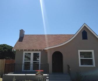 1493 N. Del Mar Ave., Fowler, CA