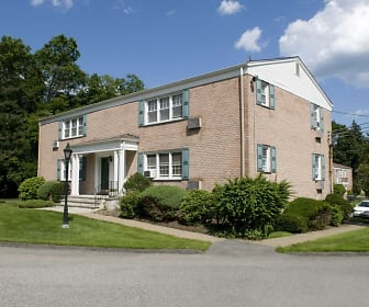 Berkeley Square Apartments, Tuxedo Park, NY