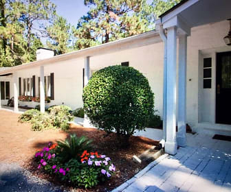 685 Donald Ross Drive, Southern Pines, NC