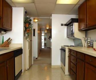Jeffersonian Houze Apartments, Warren, MI
