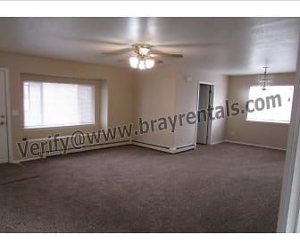 3245 Lands End livingroom1.jpg, 3245 Lands End Ave