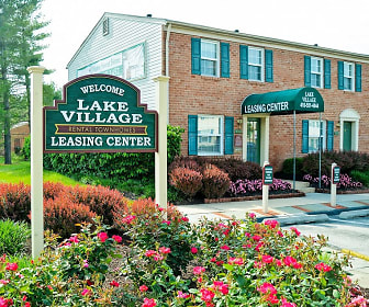 Community Signage, Lake Village Townhomes