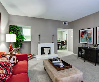 Living Room, Woodlake Oaks