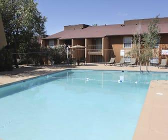Pool, Sierra Meadows