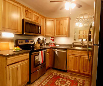 Morganton Arms Apartments, 28305, NC