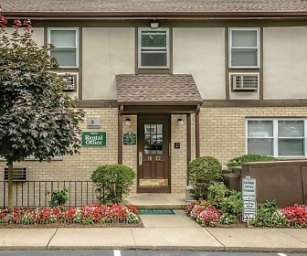 Treetops Apartments, Bloomingdale, NJ