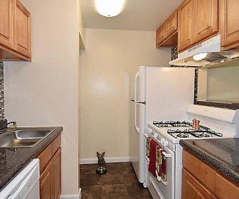 Kitchen, Harbor Place Apartment Homes