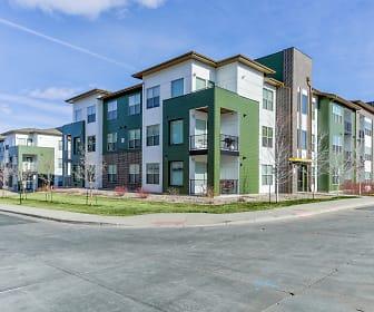 Building, Green Leaf RockVue