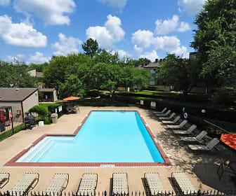 Pool, Fox Run Apartments