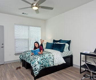 Bedroom, College Park at Midtown
