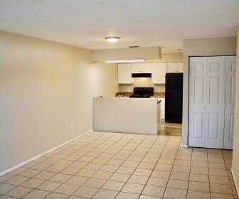 Quad Living Room.jpeg, 5125 SE 31st Street