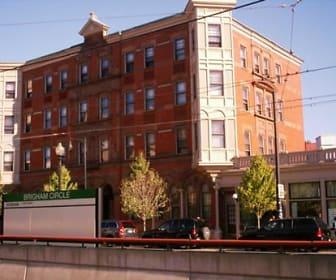 Huntington Apartments, Massachusetts College of Pharmacy & Health Sciences, MA