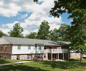 Vairo Village Apartments, Park Forest Middle School, State College, PA