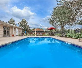 Pool, Lakeland Landing
