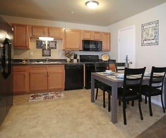 Kitchen, Fairways at Hunter Run Apartments