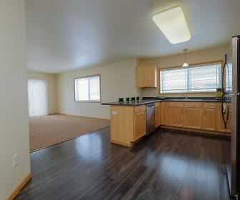 Sandy Creek Apartments - 1 Bedroom - Dining - Kitchen, Griffin Court Apartment Homes