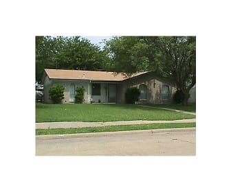 809 Longbeach Dr, South Garland, Garland, TX