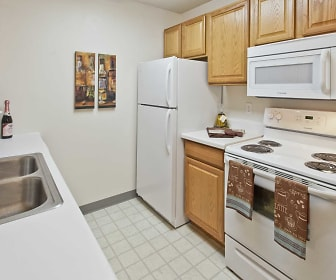 Lake Cove Village Apartments, Salem Hills Elementary School, Inver Grove Heights, MN