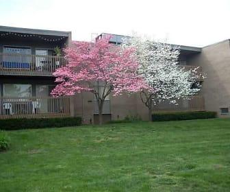 River Drive Apartments, Midtown, Ypsilanti, MI