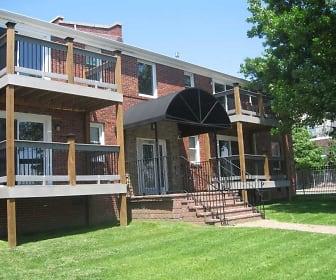 Exterior, Westport Manor