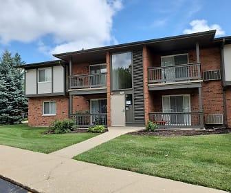 Darlington Court Apartments, University of Illinois Chicago, IL