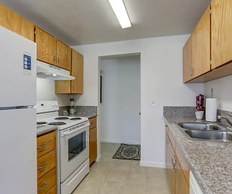 Sunnyside Park Apartments, Clackamas, OR