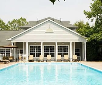 Pool, Avalon Commons