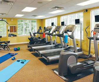 Fitness Weight Room, The Apartments at Canterbury