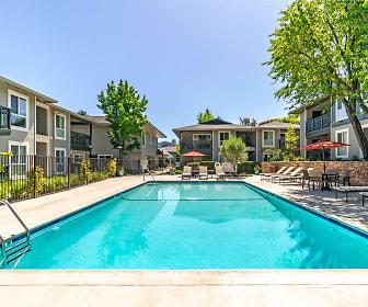 Pool, Pleasanton Glen