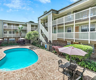 Pool, Flowergate Apartment Homes