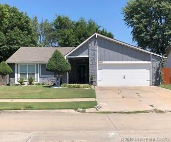 4716 W Uniontown Street, Longview Lake Estates, Tulsa, OK