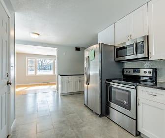 Kitchen, 179 Grandview Ave W