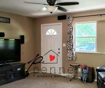 Living Room, 11033 Greenwood Rd