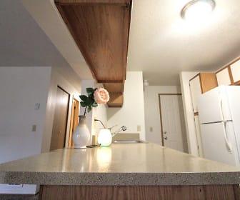Farisswood Apartments, Gresham, OR