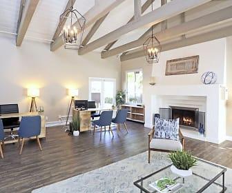 Mariposa Apartments, Maric College  Vista, CA