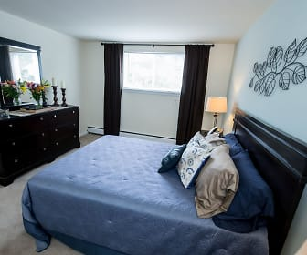 Bedroom, Highland Manor Apartments