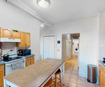 38 Bond Street, Unit 1R, Ten Hills, Somerville, MA